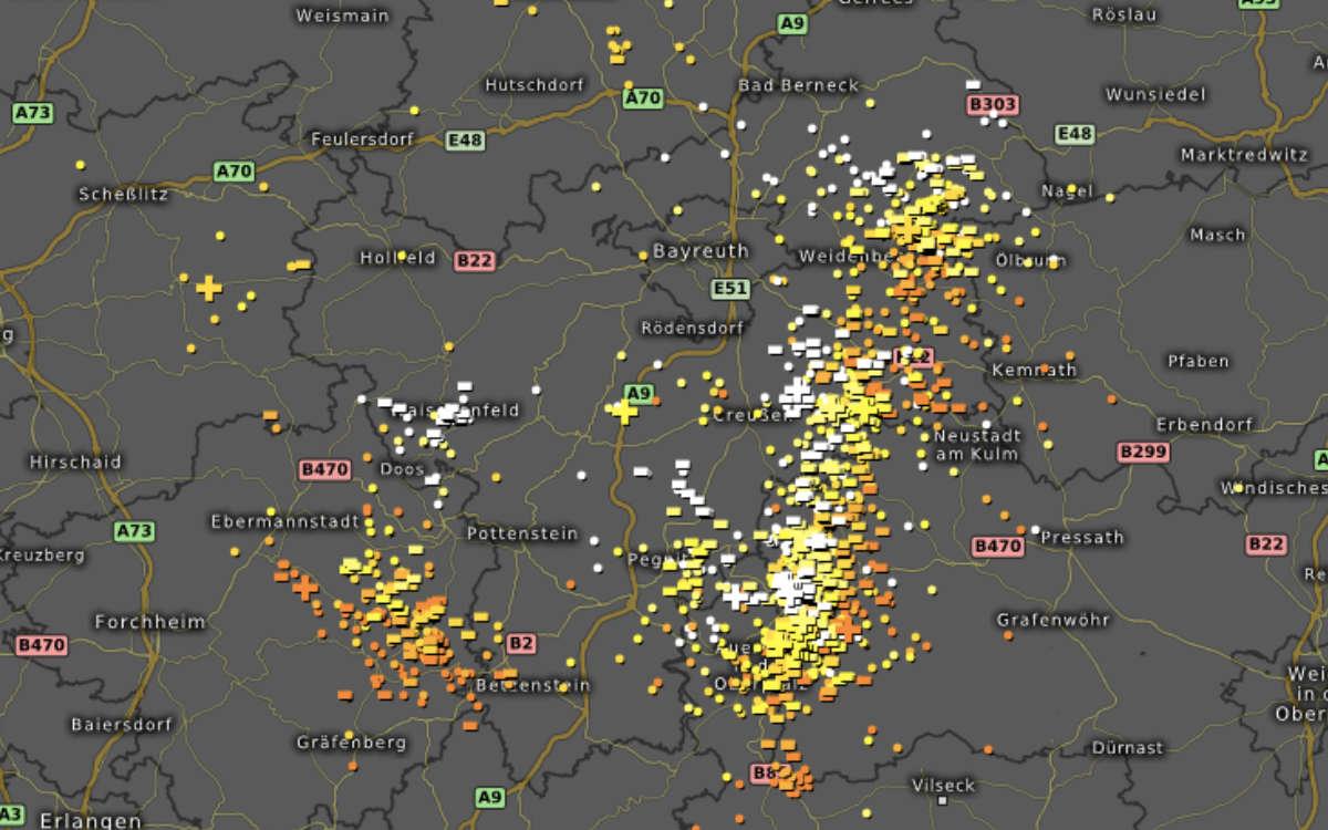 Blitze über Bayreuth: Hier hat der Blitz besonders häufig eingeschlagen. Foto: Screenshot / Kachelmanwetter.com