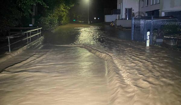 Unwetter haben im Kreis Bayreuth Überschwemmungen und Stromausfall verursacht. Foto: Merzbach / News5