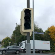 Die Ampeln bei der Christian-Ritter-von-Langheinrich-Straße in Bayreuth bleibt aktuell wegen Blitzschlags dunkel. Bild: Michael Kind