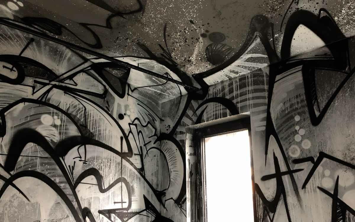 Neues Liebesbier Hotel in Bayreuth: Die Zimmer wurden individuell von Street Art-Künstlern gestaltet. Bild: Jürgen Lenkeit