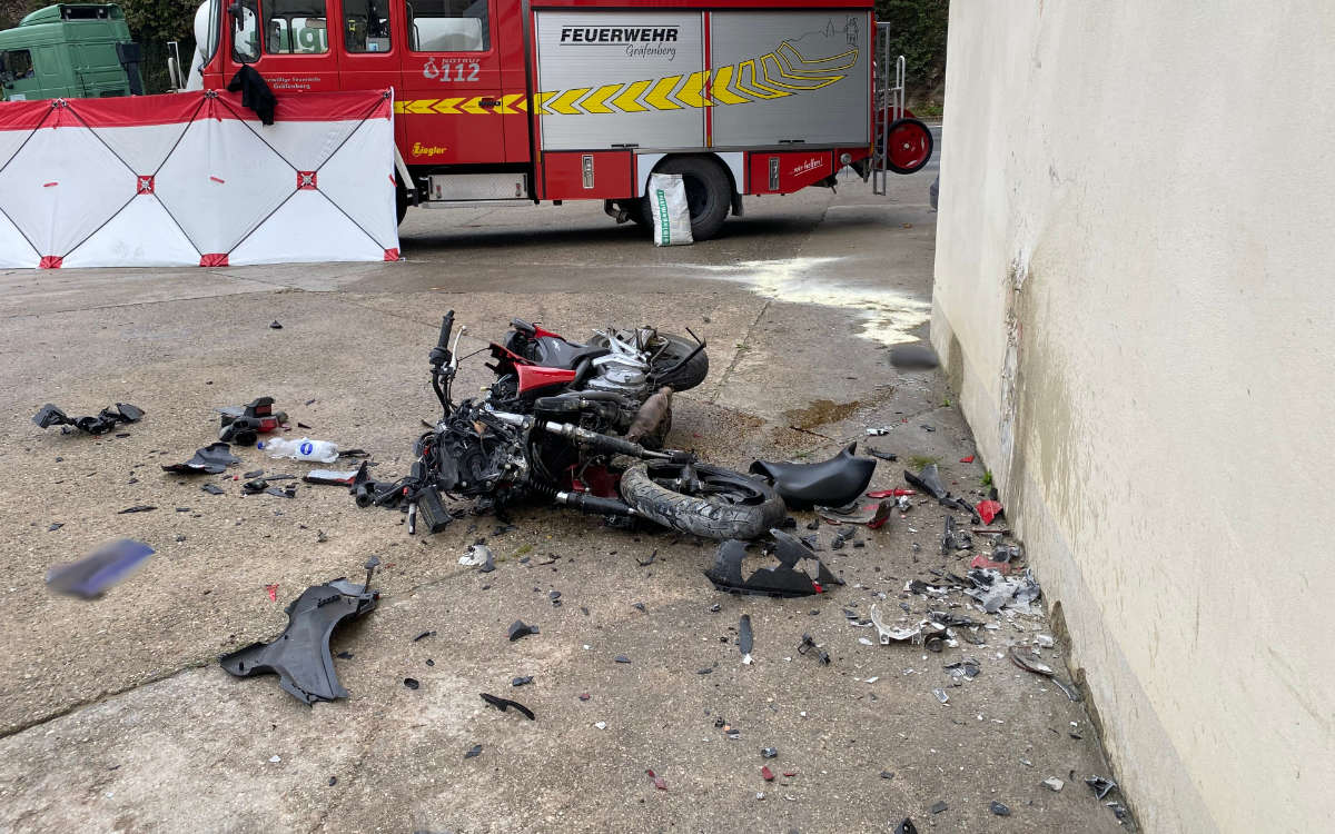 Tödlicher Motorradunfall im Kreis Bayreuth. Foto: Merzbach / News5