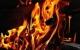In Reisbach in Niederbayern brannte in der Nacht zum Samstag (23.10.2021) ein Mehrfamilienhaus. Dabei sind drei Frauen und ein ungeborenes Baby gestorben. Symbolbild: Pixabay