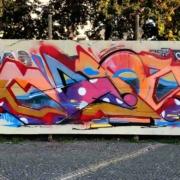 Graffiti in Bayreuth: Plakatwände der zurückliegenden Bundestagswahl durften von Sprayern kreativ neugestaltet werden. Bild: Michael Kind