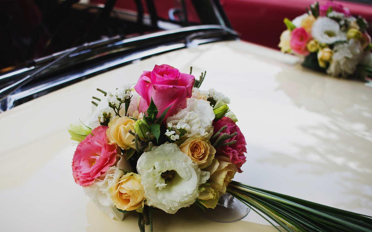 Während sich ein Hochzeitspaar in Bamberg trauen ließ, zerkratzten Unbekannte das geschmückte Auto in der Tiefgarage. Symbolbild: Pexels/freestocks.org