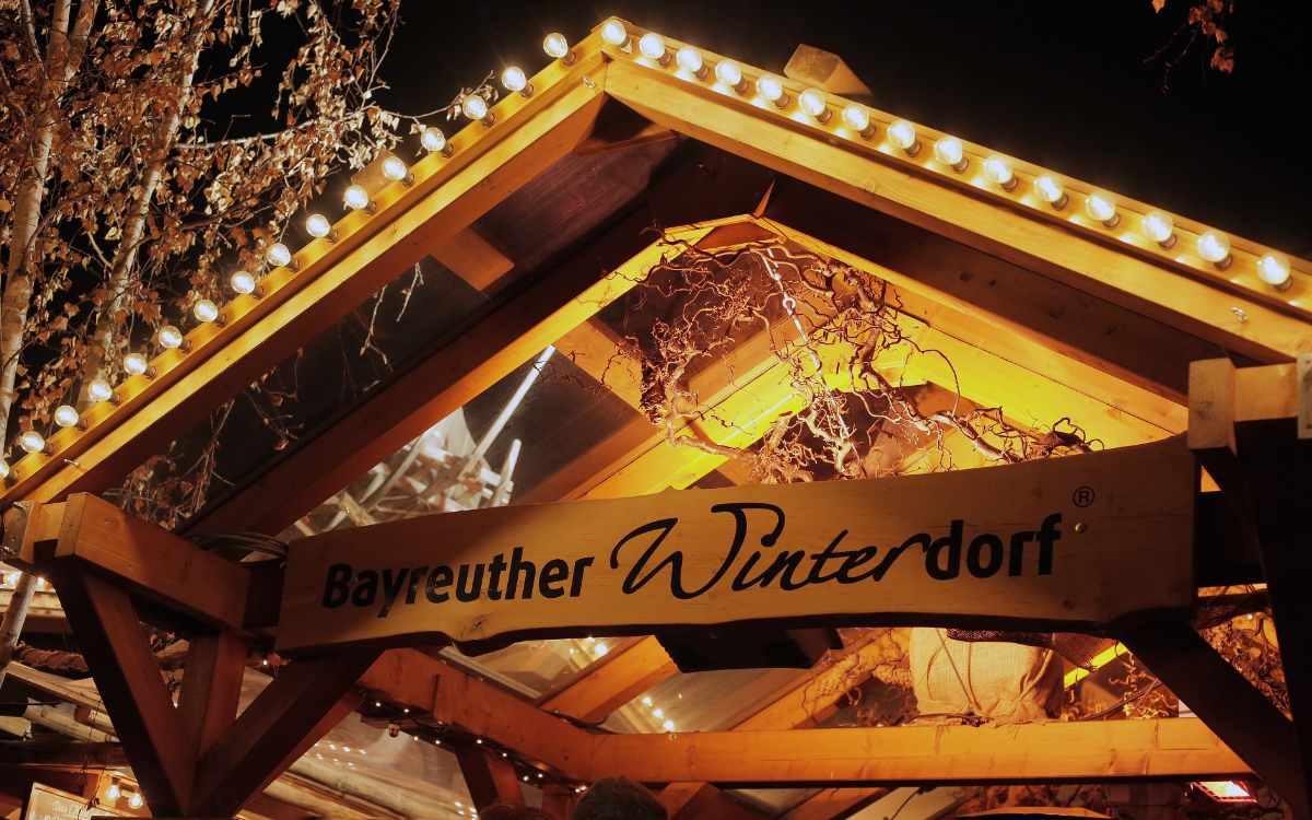 Das Winterdorf in Bayreuth: Am 15. Oktober geht es wieder los. Auf Facebook wurden nun die Hygieneregeln für die Veranstaltung bekanntgegeben. Bild: Bayreuther Winterdorf