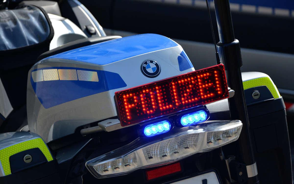 Ein 17-jähriger Dieb wurde an zwei aufeinanderfolgenden Tagen in Bayreuth und Hof mit Diebesgut erwischt. Symbolbild: Pixabay